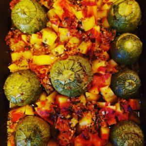 kolokithakia_gemista_me_kima_apo_hliosporo_nikos_gaitanos_sunflower_family_biotarget-3